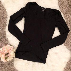 ♻️3/$20 sale♻️ XS H&M black long sleeve t-shirt